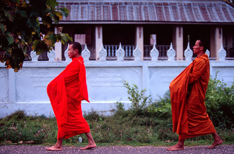 Monks and Wat, Pakse<br /> (Lao, 2004)