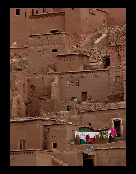 The famous kasbah of Ait-Benhadou, near Ourzazate, where Lawrence of Arabia, Gladiator, Sheltering Sky and other movies were shot.