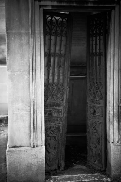 Pere Lachaise Cemetery, Paris France. Shannon Corr Photography