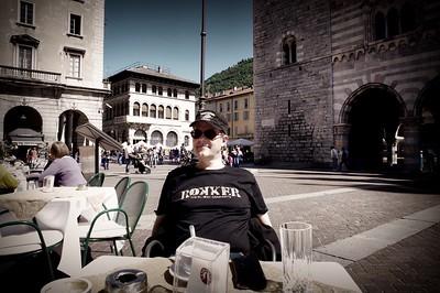 2 pères + 2 fils = 4 motos au Tessin lors du week-end de l'Ascension 2015  Samedi 16 mai, le soleil est de retour pour notre virée autour des lacs de Lugano et de Côme-