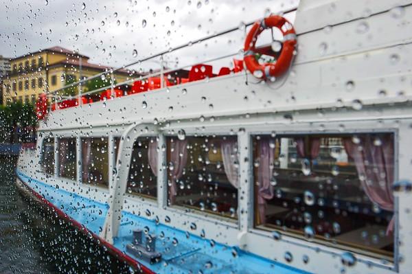2 pères + 2 fils = 4 motos au Tessin lors du week-end de l'Ascension 2015  Vendredi 15 mai 2015, le temps est à la pluie à Lugano.