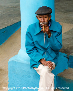 Smoking local cigars in Vinales