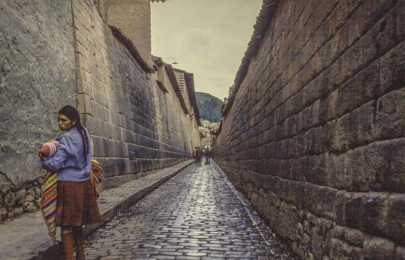 Cuzco Street-No mortar, just precision stone cutting at earthquake-proof angles