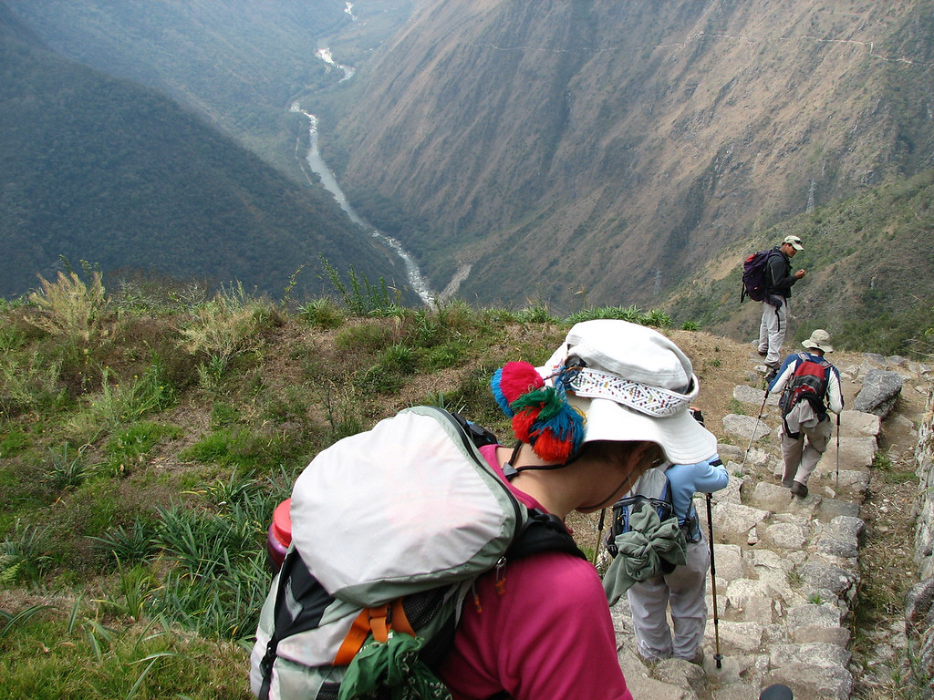 And down toward the luncheon spot (note the Urubamba river below)