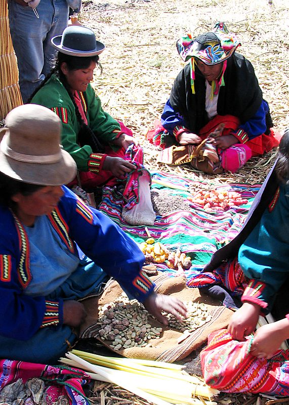 Bartering between Uros indians, Lake Titicaca