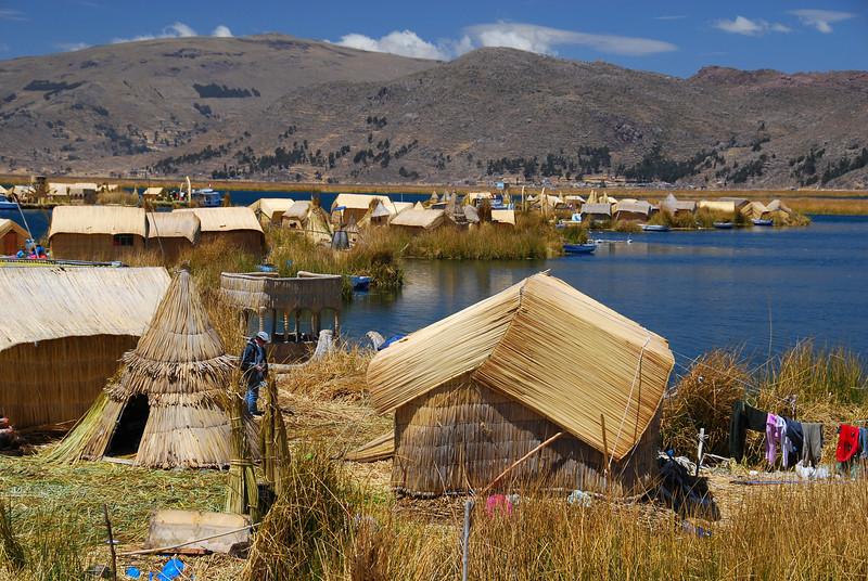 The Uros Islands, off Puno, Lago Titicaca