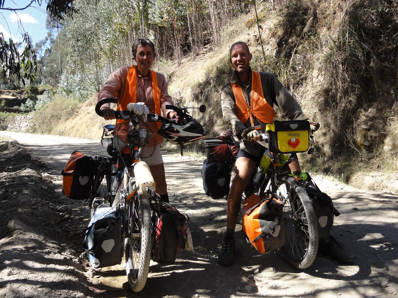 Karen(?) and Maarten (Nederlands) Carhuaz - Chapas road. Peru