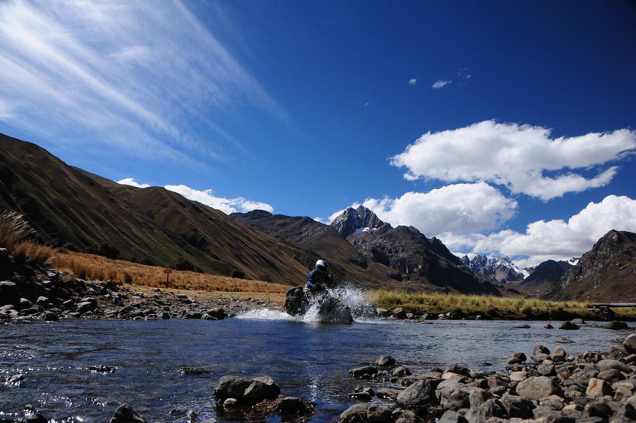 Lago Querococha.  Quebrada Conde.  Catac - Chavin Road.  Cordillera Blanca, Peru.