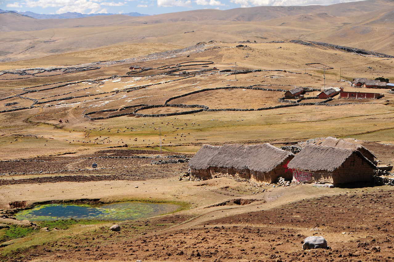 Small hamlet along the Paccaritambo - Santo Tomas Road. Peru
