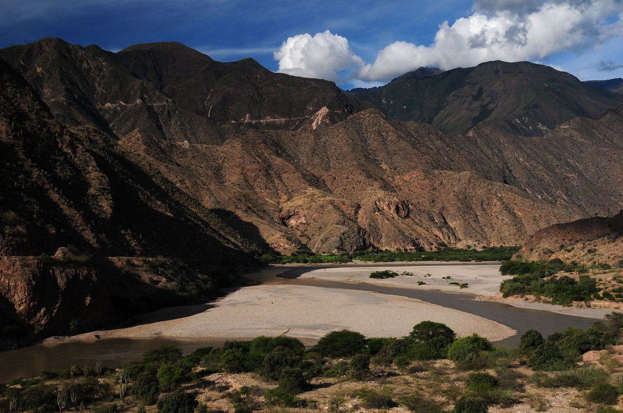 PE-08B.  Chachapoyas - Celedin Road nr Balsas. Peru