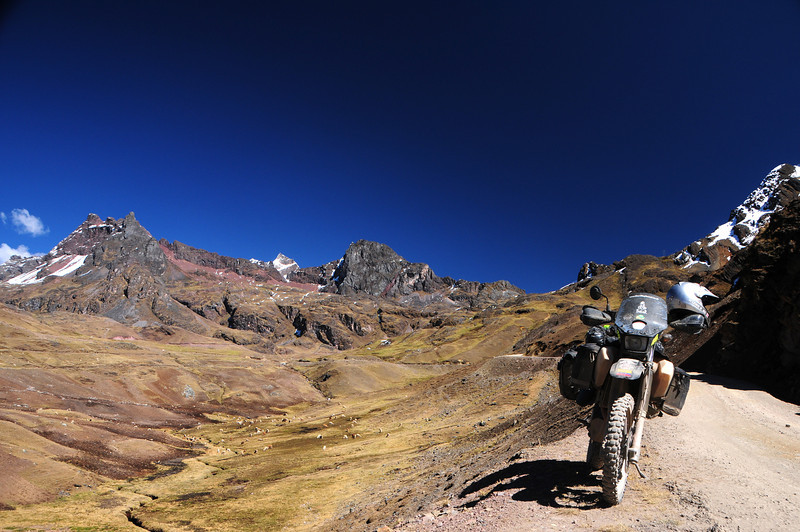 Quellouno - Calca Road. Peru