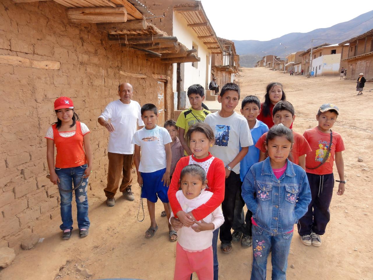 Conamines(?) village.  Ancos - La Pampa road. Peru