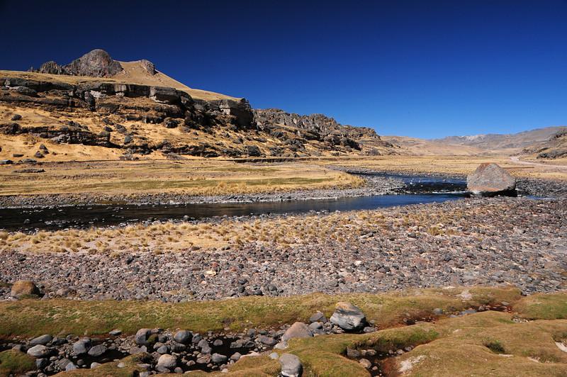 Along the Veille - Cayarani road. Peru