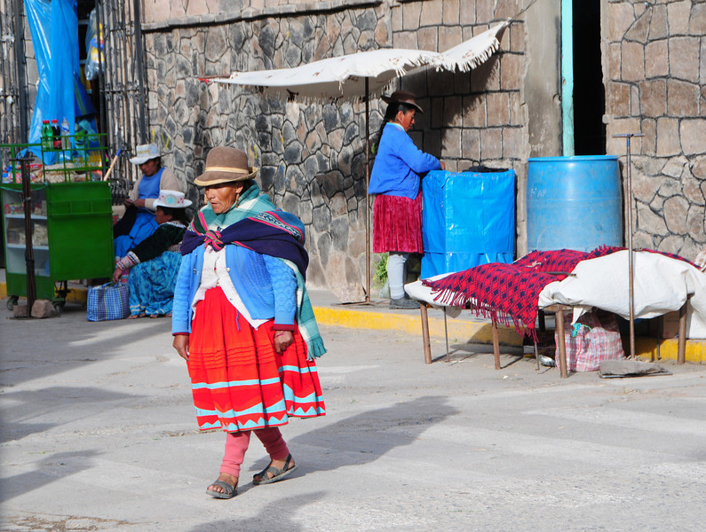 Local ladies in Chivay (eastern end of Colca Canyon), Peru