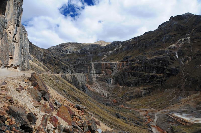 Huancavelica-Lircay Road
