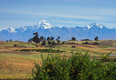 """Mt. Veronica, at 5680m / 18,635ft, is the highest peak in the Cordillera Urubamba range close to Cusco. Its Quechua name, Wakay Willca, means """"Sacred Tears"""". Although not the highest range in Peru it still offers impressive scenery and many traditional Quechua speaking villages"""