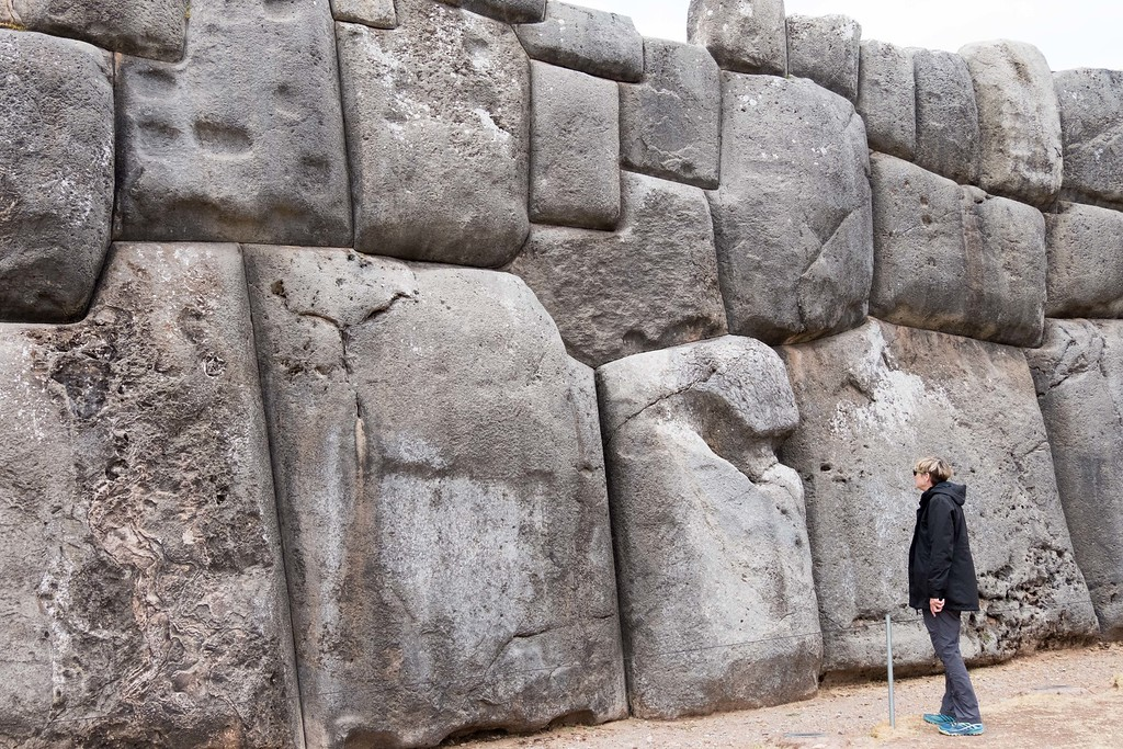 Giant saqsayhuaman stones