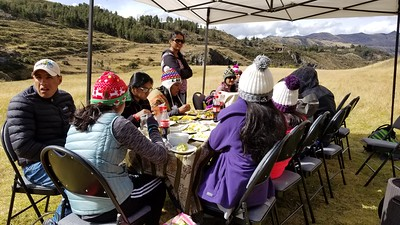 outdoor lunch spot  - cusco valley amazing experience (galaxy s8)