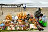 Vendors of artefacts and souvenirs along the beachfront.<br /> <br /> Vendedores de artesanías y recuerdos a lo largo del malecón.<br /> <br /> Verkopers van nepjuwelen en souvenirs langs de zeedijk. <br /> <br /> Vendeurs de babioles et des souvenirs le long de la digue.