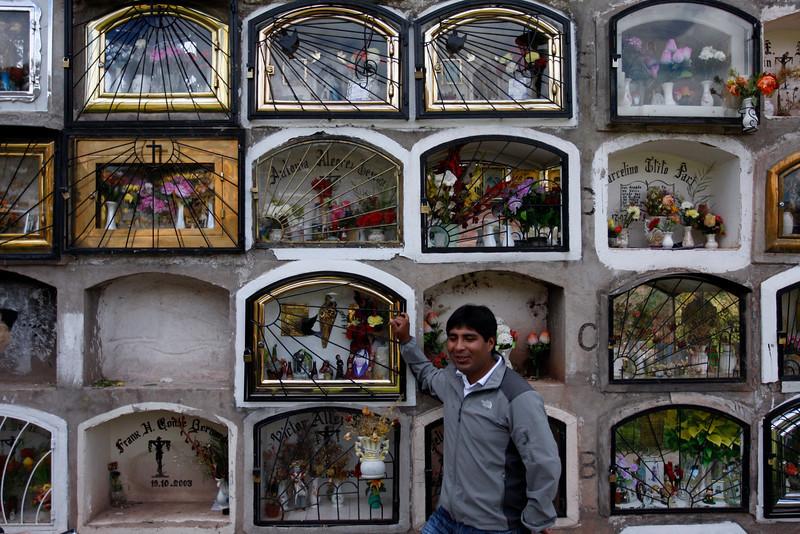 (Photo 0732)  Visit Ronald's relatives.