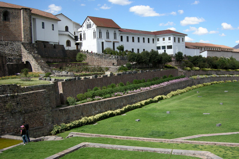 120 Cusco Gardens