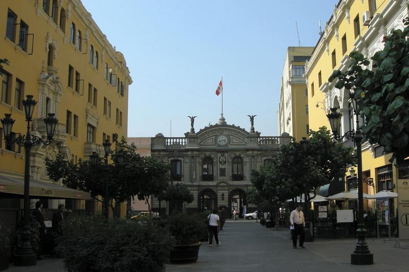 105 Lima Plaza de Armes
