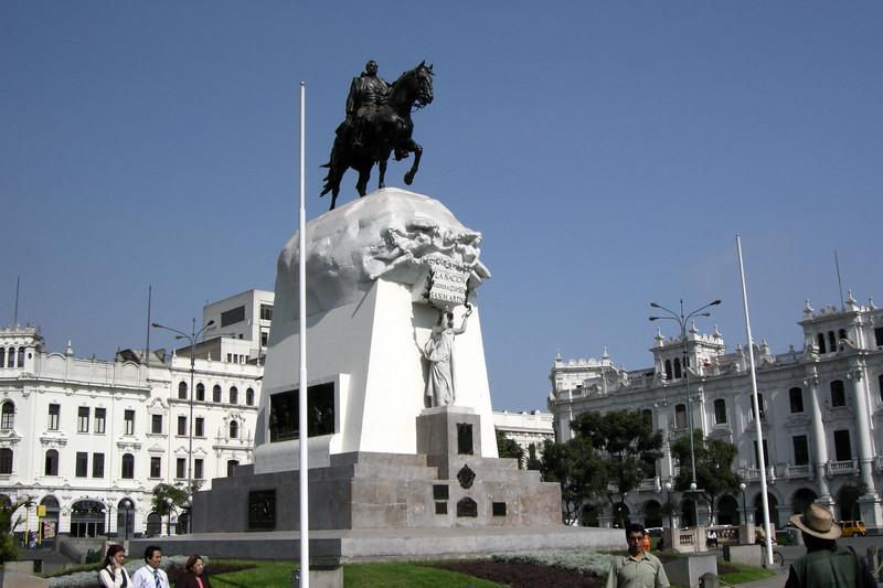 102 Lima Plaza San Martin