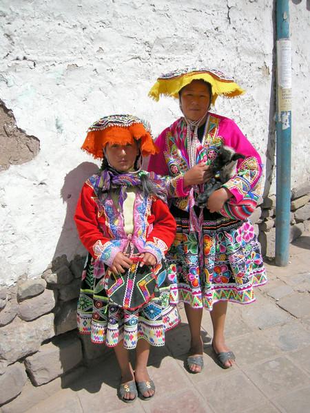 117 Cusco Locals