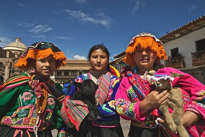 Peru-Land of the Incas | Girls in Traditional Peruvian Clothing