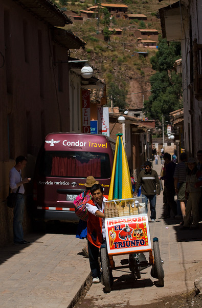 Ice cream salesman, Pisac.