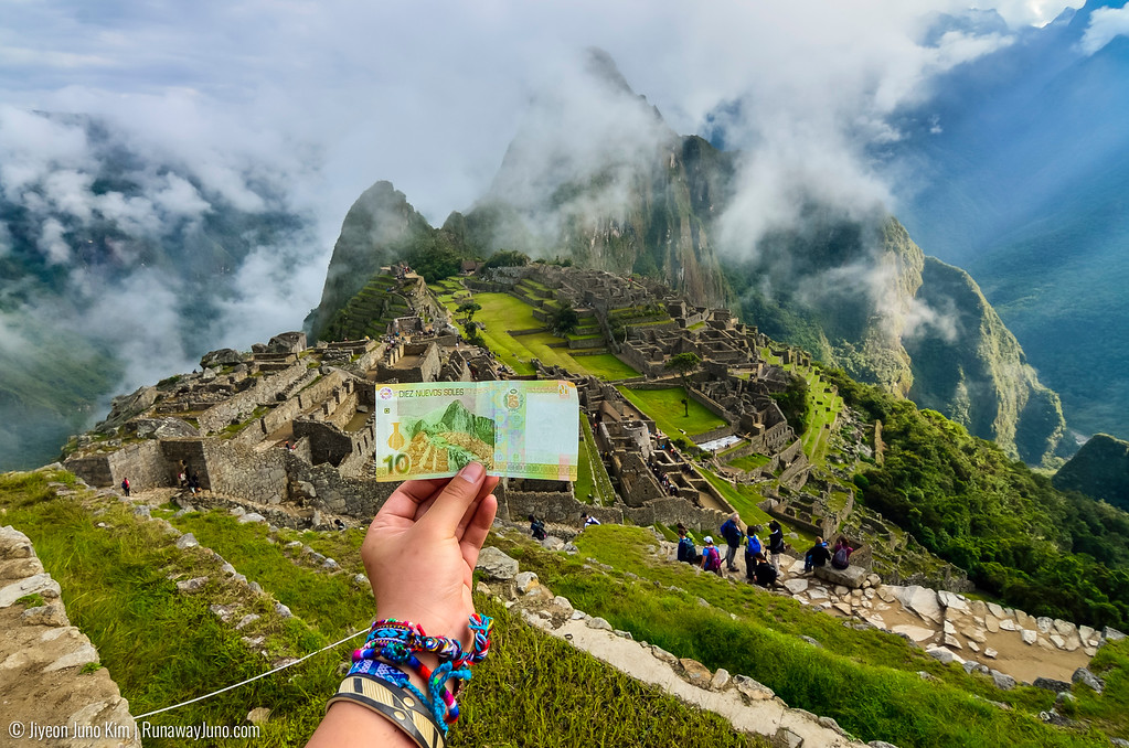 Machu Picchu and 10 Pesos note of Peru