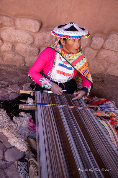 Pisac 3724<br /> Lady weaving at a weaving cooperative at Awana Kancha on the way to Pisac.