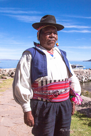 Titicaca 5339<br /> Mayor at Port Alsuna on Lake Titicaca.