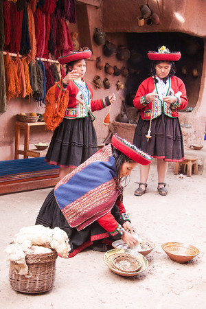 Chinchero 4122<br /> Workers dyeing and spinning wool at the weaving cooperative in Chinchero.