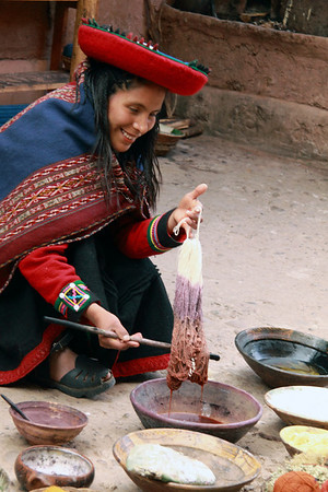 Chinchero 4138<br /> Demonstration of dyeing wool at a weaving cooperative in Chinchero.