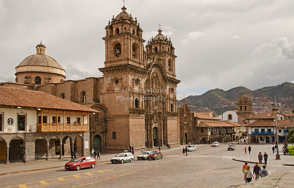 Iglesia La Compañía de Jesús (Jesuit Church) on the east side of Plaza de Armas, Cusco, Peru