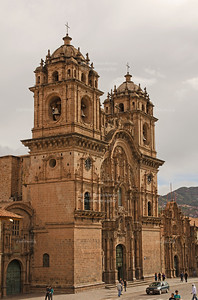 The colonial baroque style church Iglesia La Compañía de Jesús (Jesuit Church) on the east side of Plaza de Armas rivals the Cathedral in grandeur and prominence. The church was first built in the 16th century on the site of the ancient Inca ruler Huayna Cápac's palace. Cusco, Peru