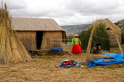 Uros woman on the floating reed islands at Lake Titicaca