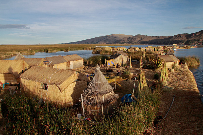 Titicaca 5538<br /> Uros village on Lake Titicaca.