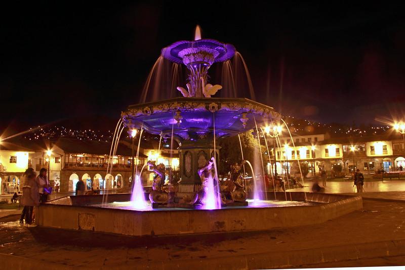 Cusco 3381<br /> Fountain in the center of Plasa de Armas in Cusco.