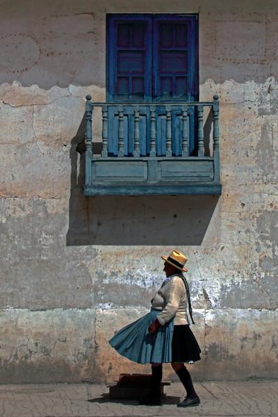 Ollantaytambo 4402<br /> Woman walking to the plaza in Ollantambo.