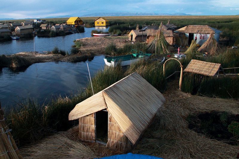 Titicaca 5540<br /> Floating islands on Lake Titicaca