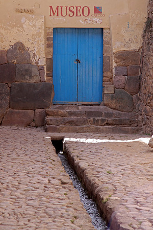 Ollantaytambo 4426<br /> Inca streets and part of Inca wall for buildings.