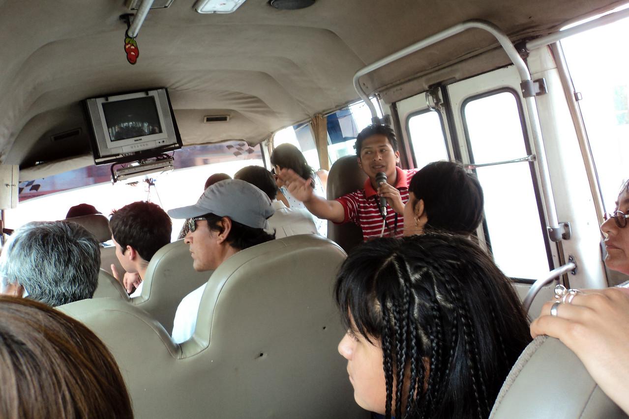 lima tour bus