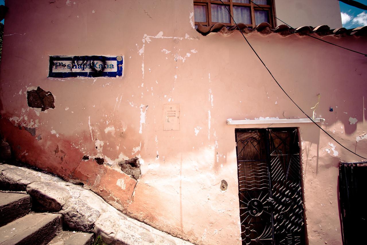 cusco pink house