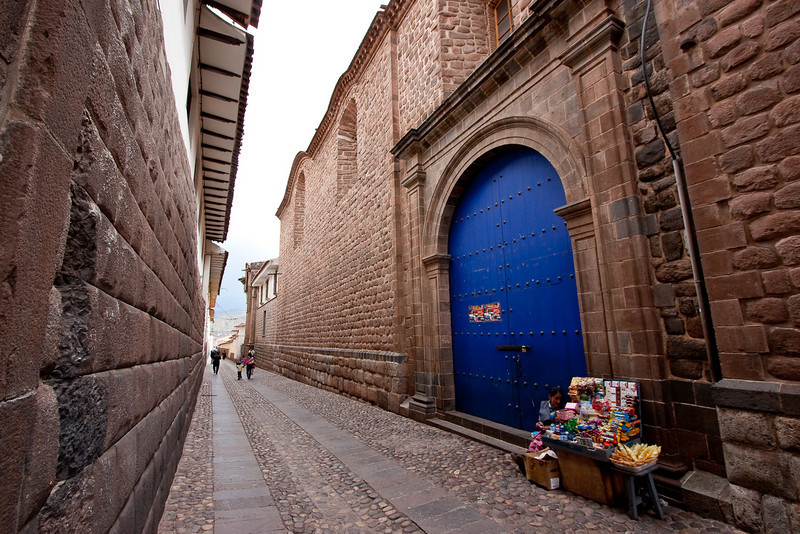 There were many narrow alleys, and often wooden doors and windows would be painted blue.