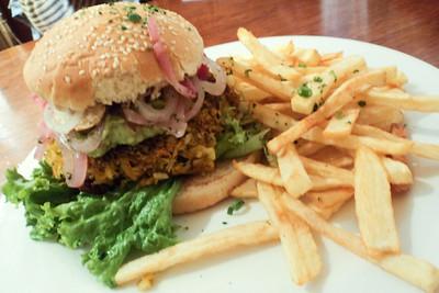 cusco veg burger
