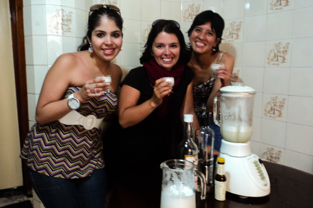 lima girls and I with pisco sour