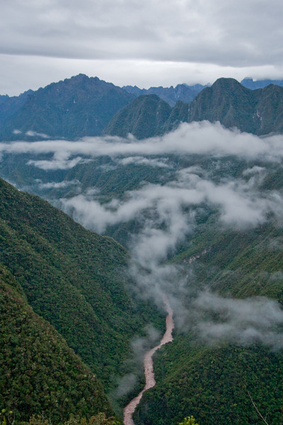This was the spectacular view we got on the morning of the 4th day on our way to the Sun Gate and eventually Machu Picchu. Beautiful, lush green mountains with the Urubamba River below.