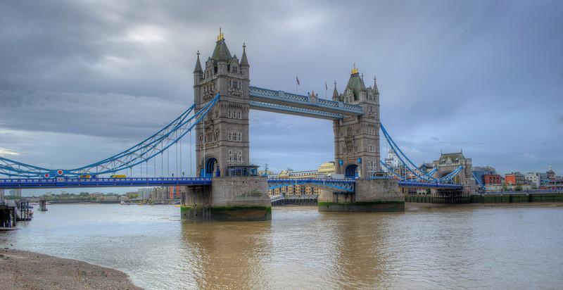 This is not London Bridge!!!